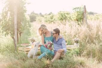 Super Chic Champagne Picnic Engagement Shoot