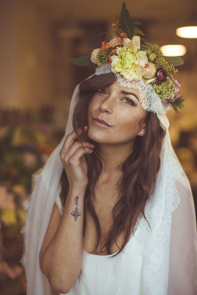 Bride with a Veil and a Flower Crown | Camille Marciano for Junophoto | Bridal Musings Wedding Blog 41