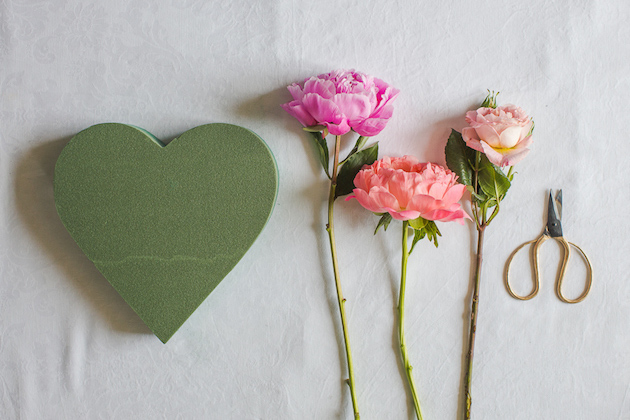 DIY Flower Heart Tutorial | Marianne Taylor Photography | Bridal Musings Wedding Blog 0