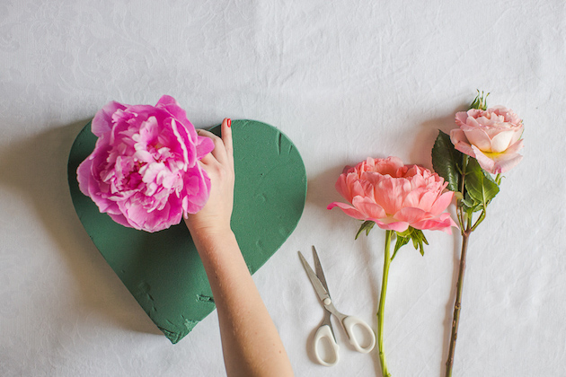 DIY Flower Heart Tutorial | Marianne Taylor Photography | Bridal Musings Wedding Blog 2