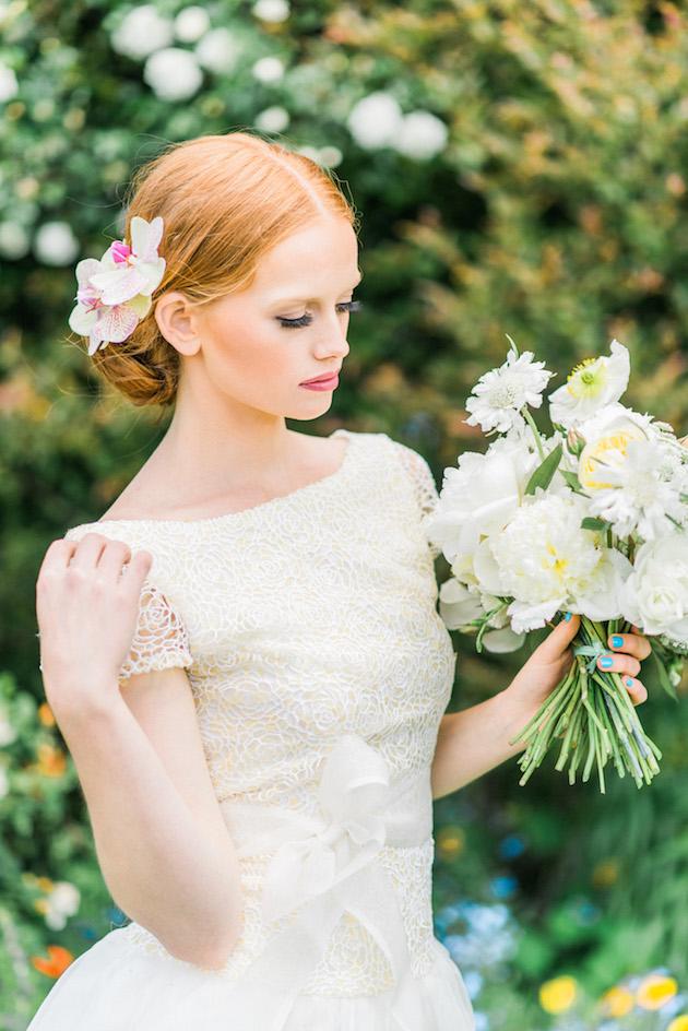The Flower Bride | Kelsey Genna | Kate Grewal Photography | Bridal Musings Wedding Blog 12
