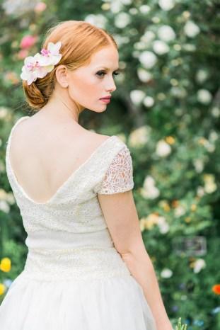 The Flower Bride | Kelsey Genna | Kate Grewal Photography | Bridal Musings Wedding Blog 15