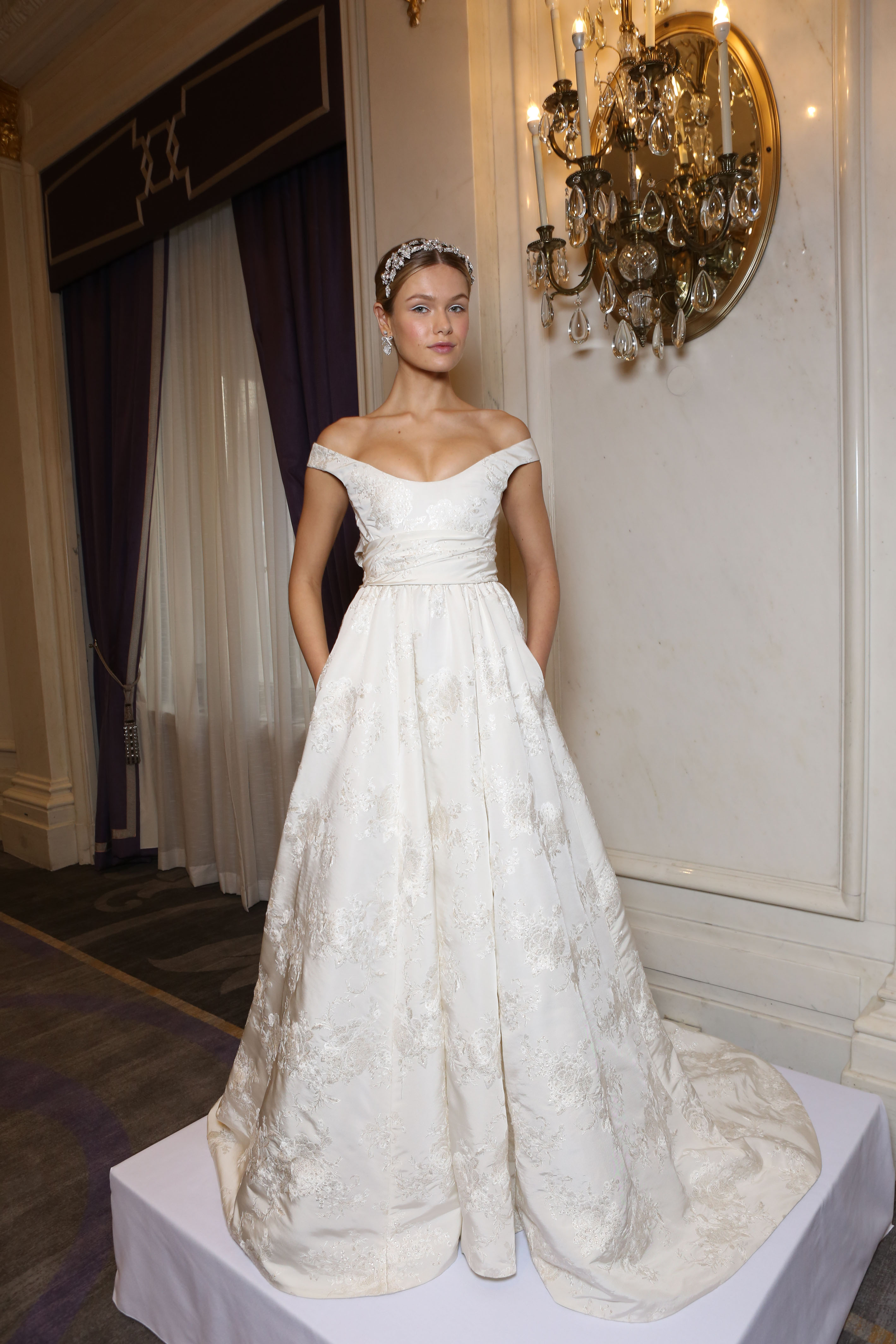 Best of bridal market backstage at marchesa wedding dress best of bridal market backstage at marchesa wedding dress collection weddbook junglespirit Image collections