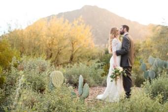 Desert Romance Meets Hollywood Glamour in this Arizona Wedding
