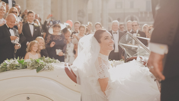 Old Movie Style Wedding Film | Love in Rome | Evergreen | Bridal Musings Wedding Blog 2