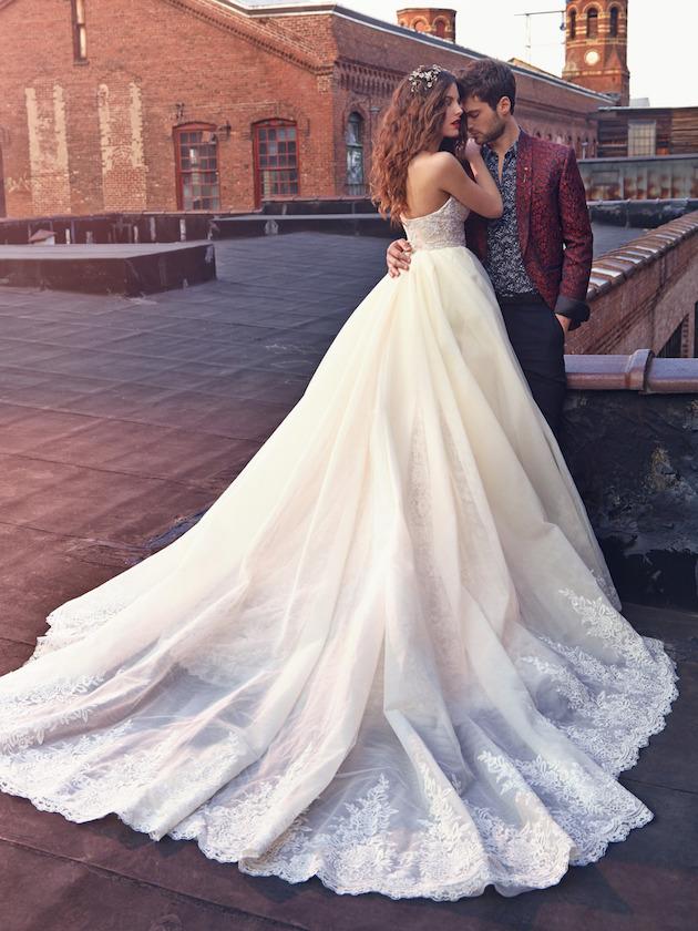 Christmas Wedding Dress Boutiques