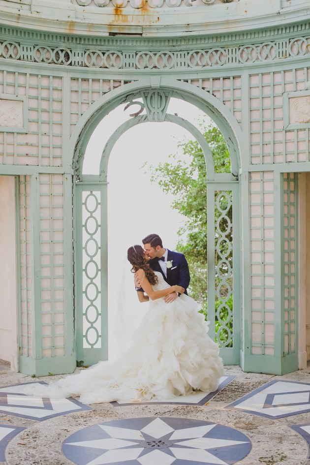 romantic glamour destination wedding at Vizcaya / photo by darlingjuliet.com
