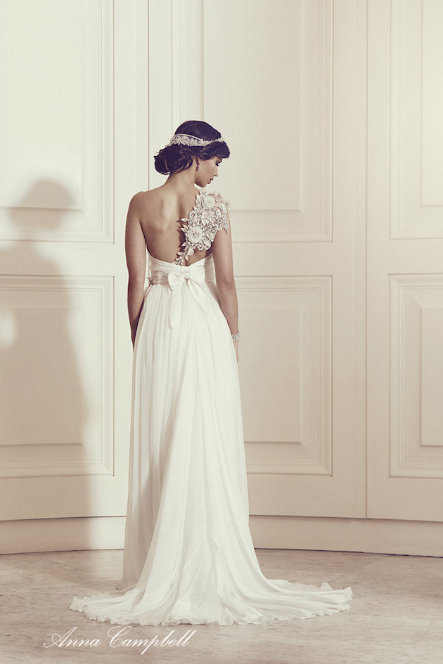 Anna Campbell Wedding Dress Collection | Bridal Musings Wedding Blog 28