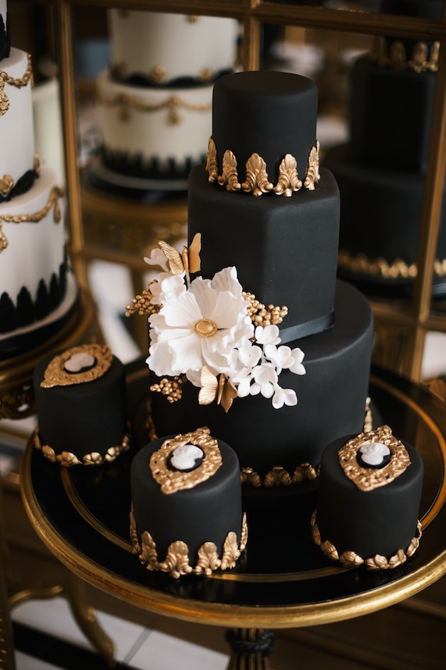 Unique Wedding Cakes | Best of 2015 | Bridal Musings Wedding Blog 10