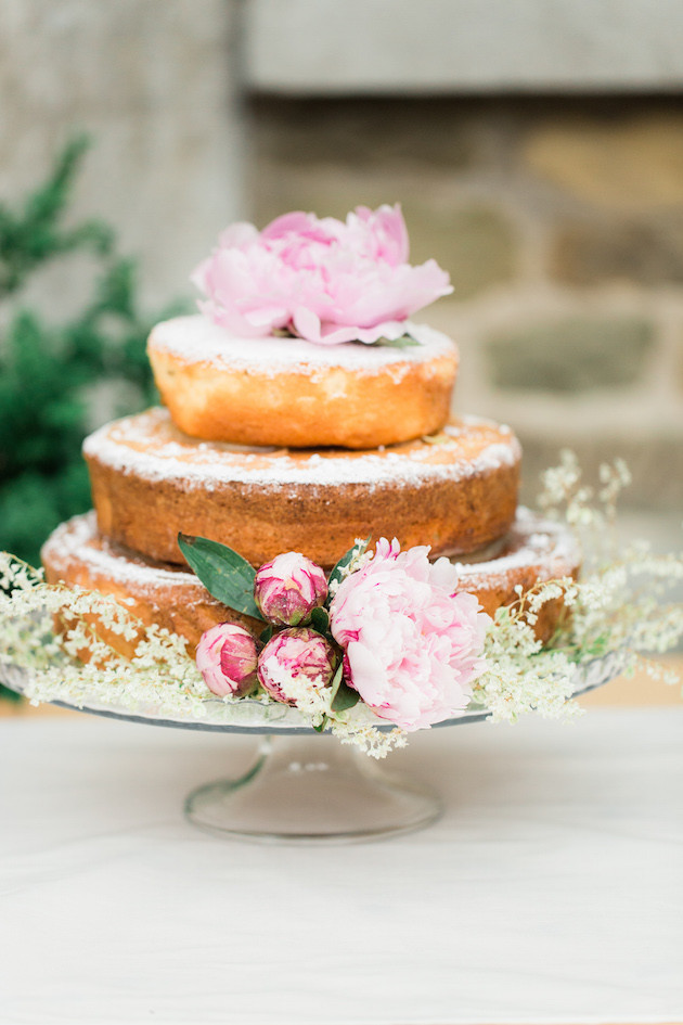 Unique Wedding Cakes | Best of 2015 | Bridal Musings Wedding Blog 19