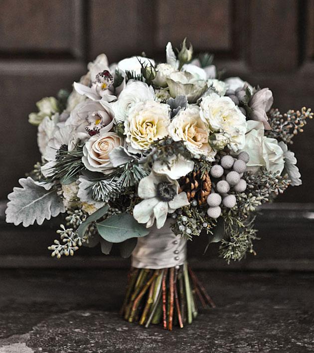 Winter Bouquet Ideas | Daisy Ellen Florals | Bridal Musings Wedding Blog