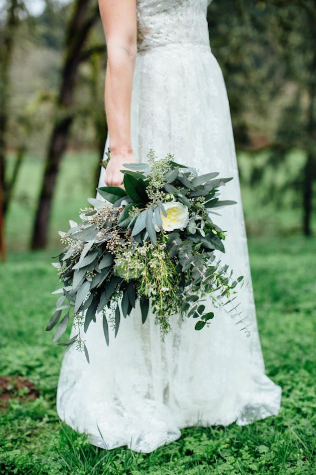 Winter Flower Inspiration | Bridal Musings Wedding Blog