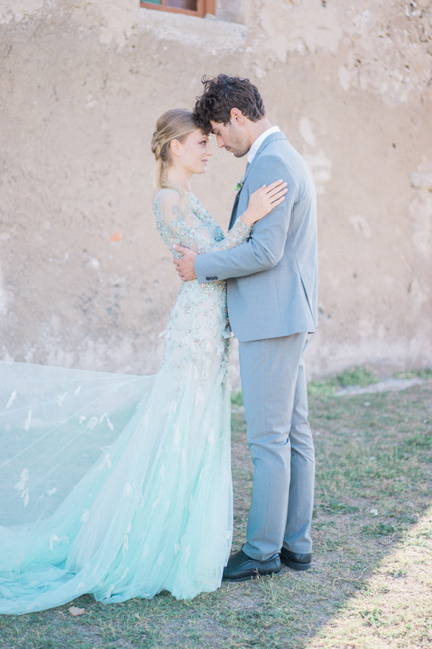 Fine-Art-Wedding-Inspiration-from-Greece-Alexis-Rose-Photography-Bridal-Musings-Wedding-Blog-34-630x945