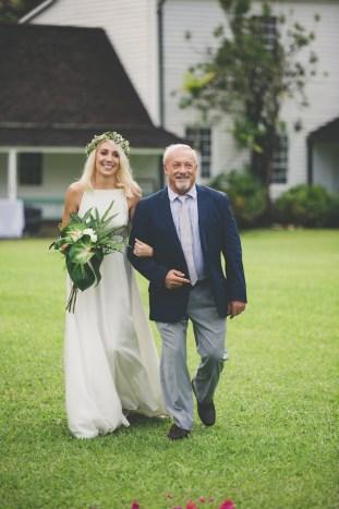 Colourful Hawaiian Wedding | Maui Maka Photography | Bridal Musings Wedding Blog 22