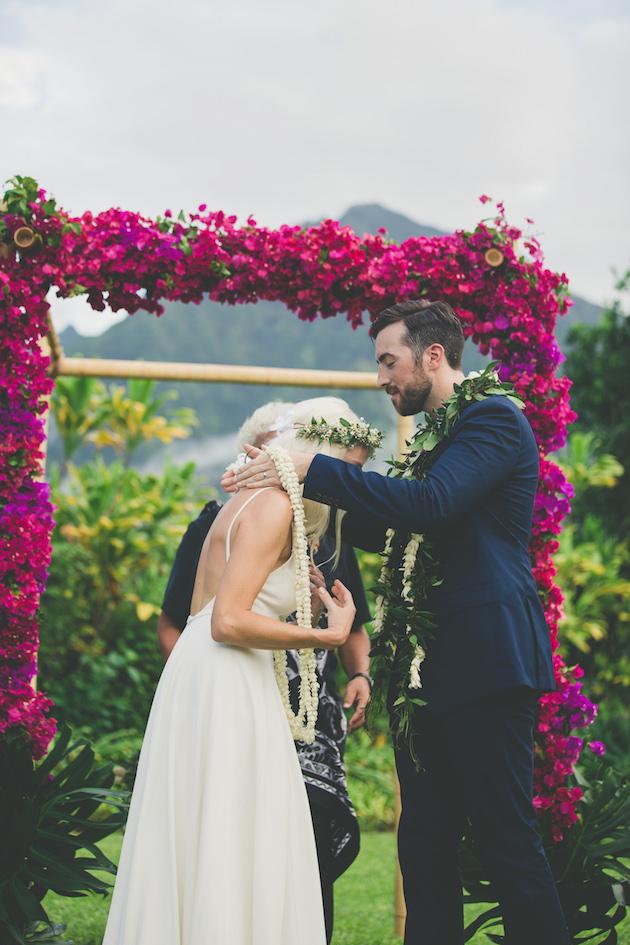 Colourful Hawaiian Wedding | Maui Maka Photography | Bridal Musings Wedding Blog 30