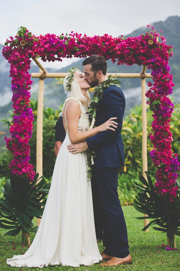Colourful Hawaiian Wedding | Maui Maka Photography | Bridal Musings Wedding Blog 31