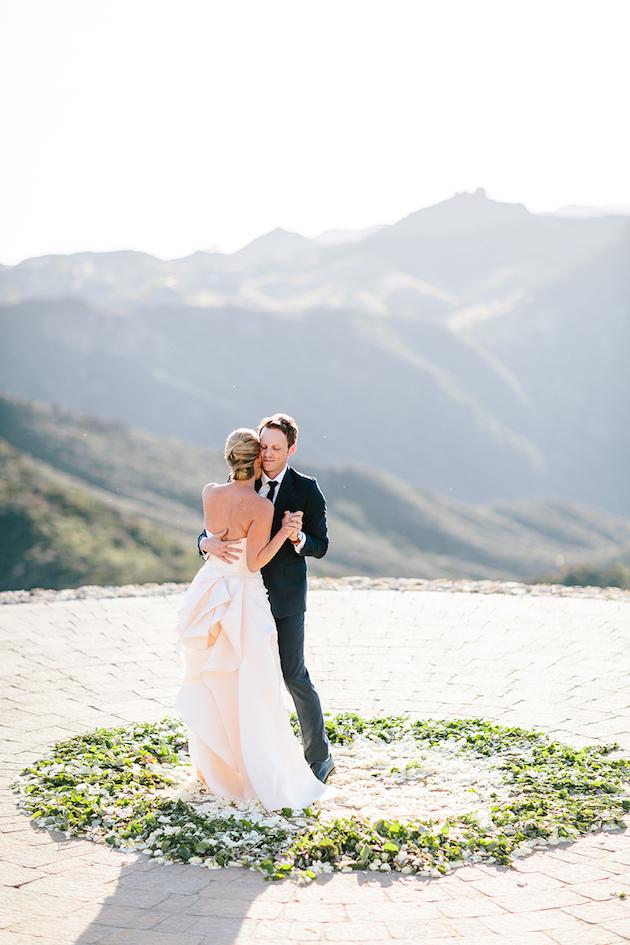 Sunny and Wally's gorgeous outdoor Malibu Rocky Oaks wedding. Photography by STUDIO 1208