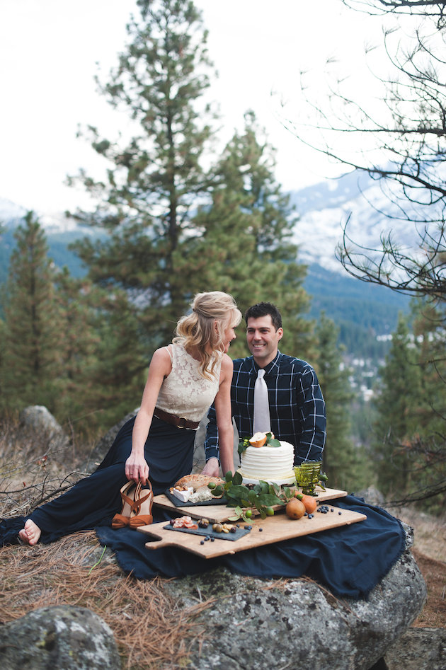 Stunning-Mountainside-Elopement-Tonie-Christine-Photography-Bridal-Musings-Wedding-Blog32
