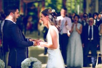 Sweet London Wedding in Kew Gardens with a beautiful Baha'i ceremony