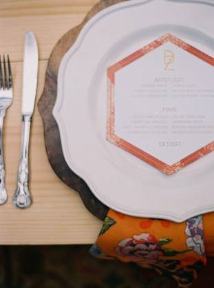 Cool Geometric Wedding Inspiration | Anniversary Shoot | Anna Peters Photography | Bixby + Pine | Bridal Musings Wedding Blog 10