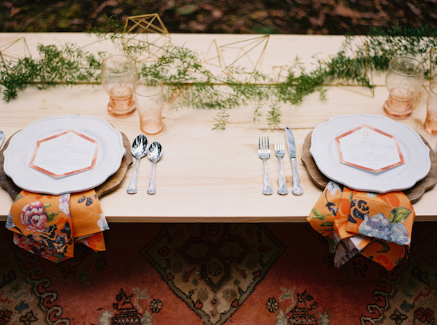Cool Geometric Wedding Inspiration | Anniversary Shoot | Anna Peters Photography | Bixby + Pine | Bridal Musings Wedding Blog 11