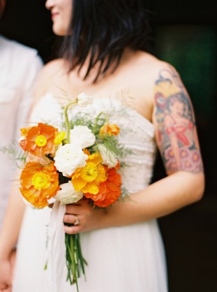Cool Geometric Wedding Inspiration | Anniversary Shoot | Anna Peters Photography | Bixby + Pine | Bridal Musings Wedding Blog 17