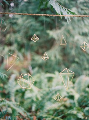 Cool Geometric Wedding Inspiration | Anniversary Shoot | Anna Peters Photography | Bixby + Pine | Bridal Musings Wedding Blog 25