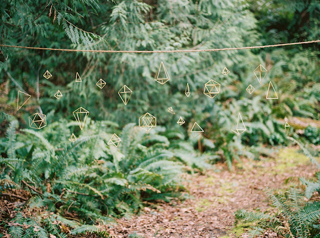 Cool Geometric Wedding Inspiration | Anniversary Shoot | Anna Peters Photography | Bixby + Pine | Bridal Musings Wedding Blog 28