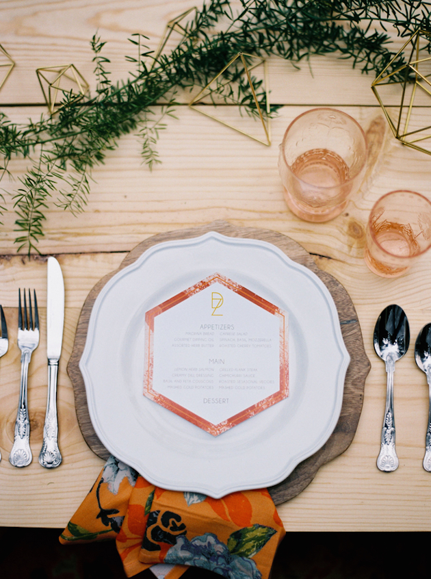 Cool Geometric Wedding Inspiration | Anniversary Shoot | Anna Peters Photography | Bixby + Pine | Bridal Musings Wedding Blog 4