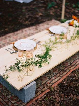Cool Geometric Wedding Inspiration | Anniversary Shoot | Anna Peters Photography | Bixby + Pine | Bridal Musings Wedding Blog 5
