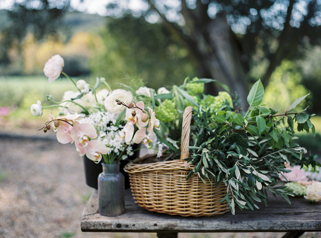 Wedding Flowers How To Keep Fresh : How to keep your bridal bouquet fresh apps directories