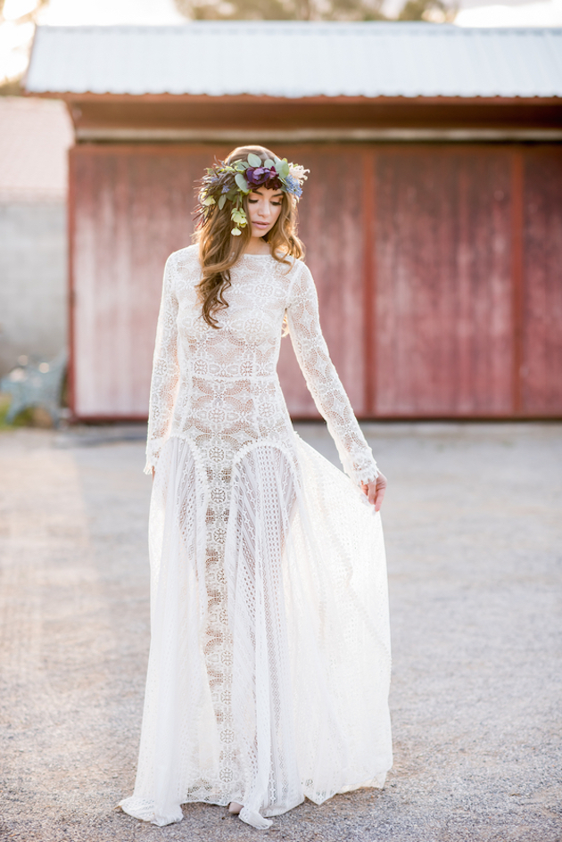 Pretty boho wedding inspiration with rich hues weddbook junglespirit Choice Image