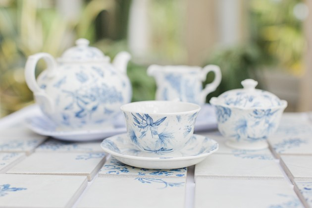 Gorgeous China Blue Wedding | Sarah Gawler | Knot & Pop | Bridal Musings Wedding Blog 3