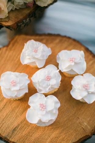 Super Pretty Garden Wedding Inspiration   Emi Fujii Photography   Weddings by Katlin   Bridal Musings Wedding Blog 44