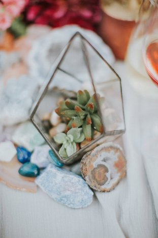 Gems & Geodes Wedding Inspiration | Alex Lasota Photography | TinSparrow Events | Bridal Musings Wedding Blog 37