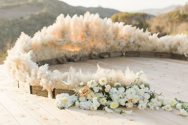 Gorgeous Pampas Grass Ideas for your Wedding | Bridal Musings Wedding Blog 20