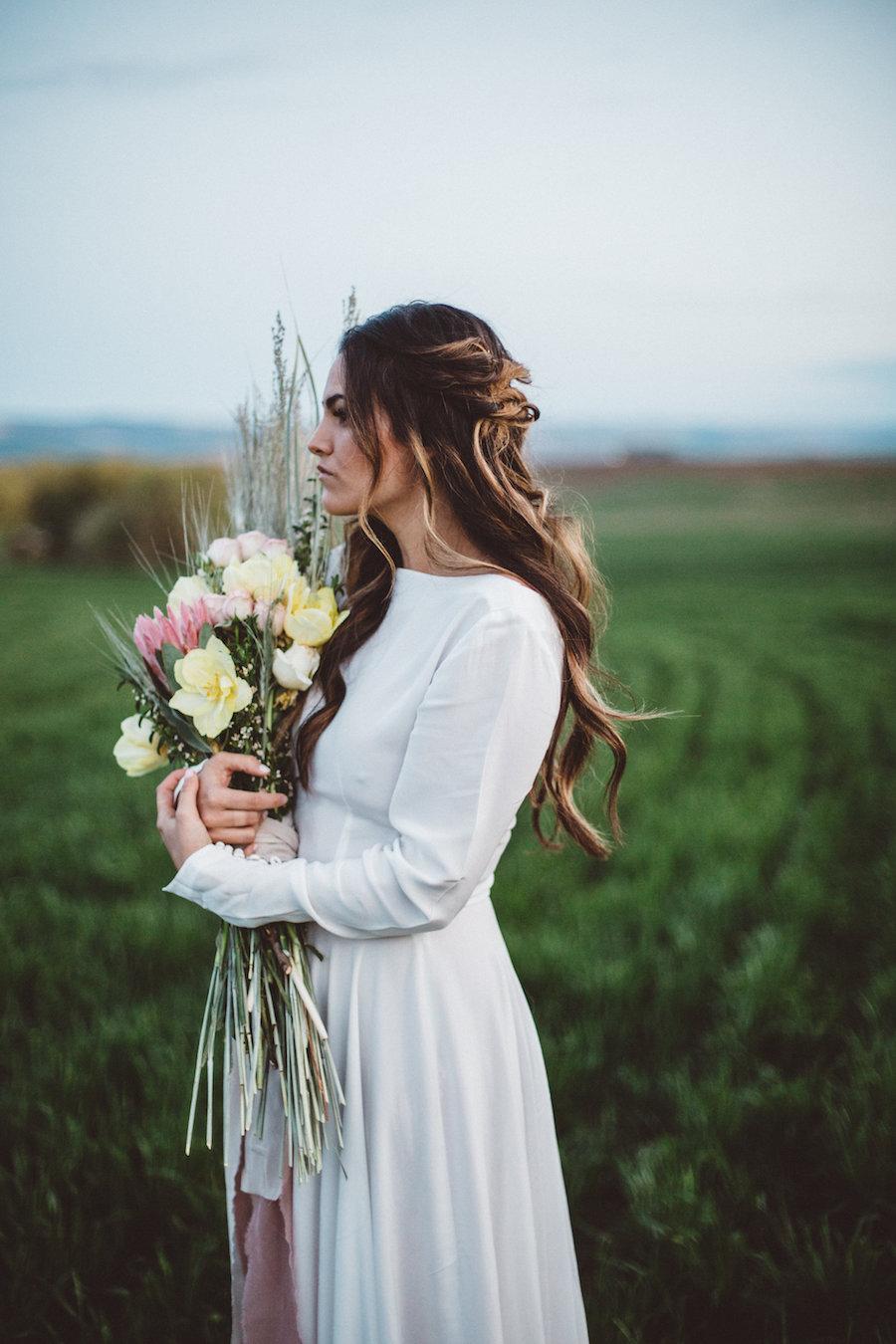 Romantic-Prairie-Inspiration-Shoot-J.M.Hunter-Photography-Bridal-Musings-Wedding-Blog-43