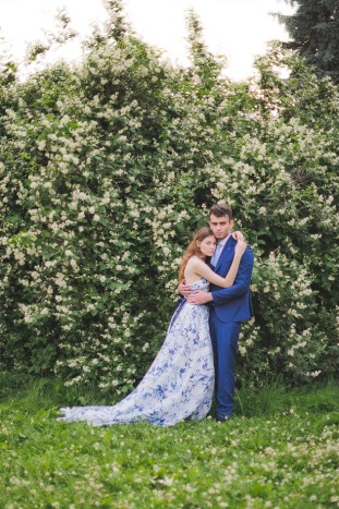 Something Blue Floral Wedding Inspiration   Katia Tumenyeva Photography   Viktoria Gusova & Elena Gavrilova   Bridal Musings Wedding Blog 1