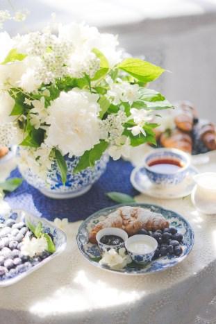 Something Blue Floral Wedding Inspiration   Katia Tumenyeva Photography   Viktoria Gusova & Elena Gavrilova   Bridal Musings Wedding Blog 17