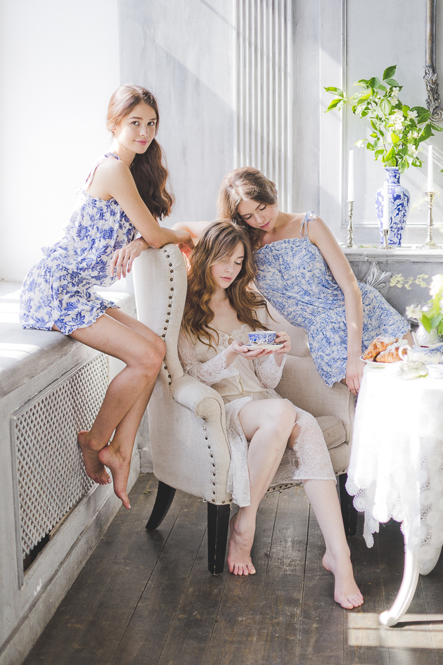 Something Blue Floral Wedding Inspiration   Katia Tumenyeva Photography   Viktoria Gusova & Elena Gavrilova   Bridal Musings Wedding Blog 25