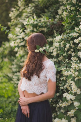 Something Blue Floral Wedding Inspiration   Katia Tumenyeva Photography   Viktoria Gusova & Elena Gavrilova   Bridal Musings Wedding Blog 34