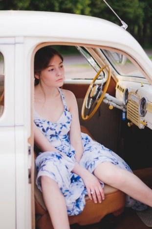 Something Blue Floral Wedding Inspiration   Katia Tumenyeva Photography   Viktoria Gusova & Elena Gavrilova   Bridal Musings Wedding Blog 39