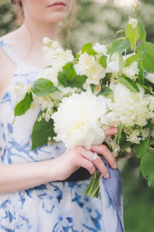 Something Blue Floral Wedding Inspiration   Katia Tumenyeva Photography   Viktoria Gusova & Elena Gavrilova   Bridal Musings Wedding Blog 4