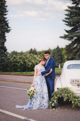 Something Blue Floral Wedding Inspiration   Katia Tumenyeva Photography   Viktoria Gusova & Elena Gavrilova   Bridal Musings Wedding Blog 40