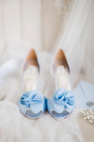 Something Blue Floral Wedding Inspiration   Katia Tumenyeva Photography   Viktoria Gusova & Elena Gavrilova   Bridal Musings Wedding Blog 5
