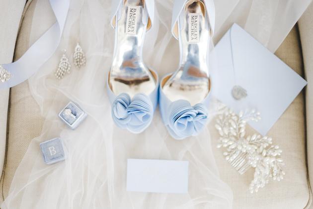 Something Blue Floral Wedding Inspiration   Katia Tumenyeva Photography   Viktoria Gusova & Elena Gavrilova   Bridal Musings Wedding Blog 6
