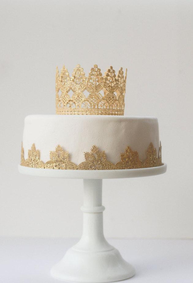 crown-cake-topper