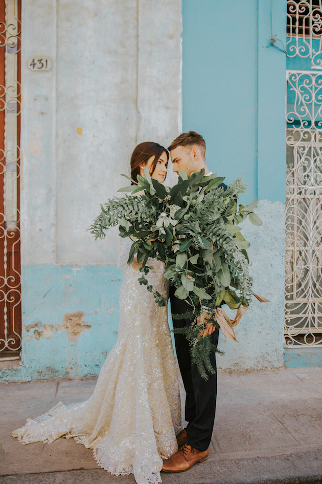 havana-wedding-inspiration-by-gaby-rguez-photography-and-birds-honey-13